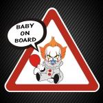 Ребёнок в машине клоун Пенивайс